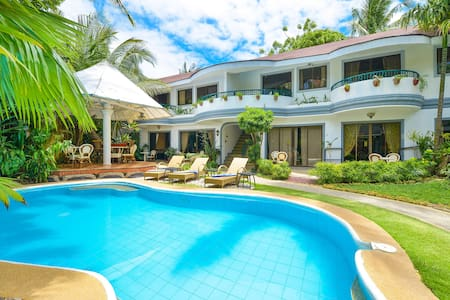 Deluxe Apartment near White Beach with Pool / Bar - Villa
