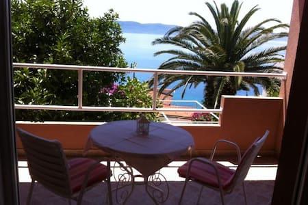 Apartament A2+1 with sea view - Igrane - Apartment