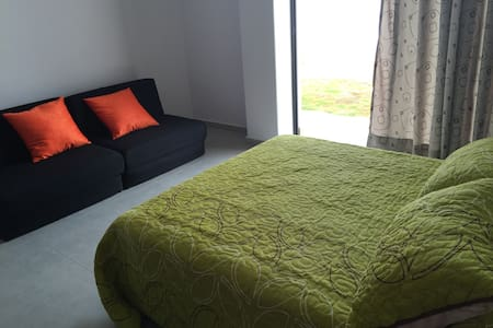 DOUBLE BEDROOM AND ENSUITE BATHROOM - San Gil