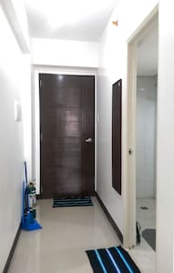 Furnished Studio Type beside Mall!! - Appartement