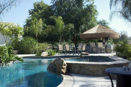 Temecula Wine Country Guest House w/Kitchen - Bungaló