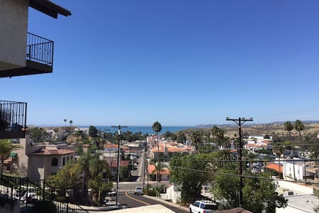 Beach Bungalow with Ocean View - San Clemente