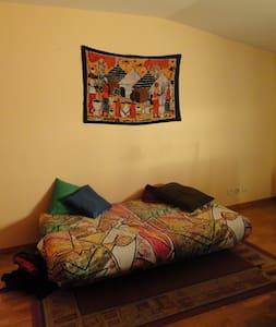 Habitació individual a Torelló - Torelló