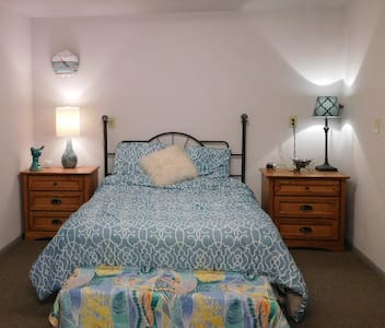 Pet & family friendly by the beach! - Port Townsend - Rumah