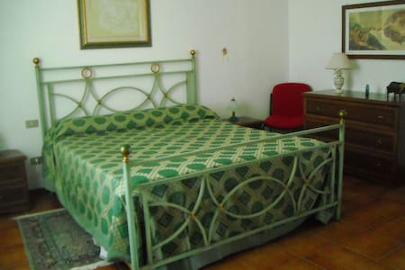 LUXURY ROOM 2 - B&B Villa Le Palme - Scalea - scalea - Bed & Breakfast