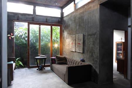 Rumah Madukismo - Haus