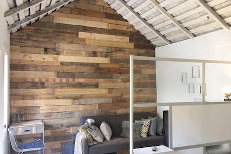 Cozy Studio Guesthouse - Incredible location - Dům pro hosty