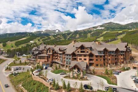 Grand Lodge on Peak 7-5 Star ski in/ski out - Breckenridge