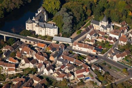 Beautiful 16th Century Village House - La Guerche - Rumah