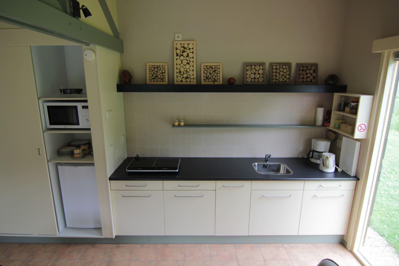 """Gastenverblijf """"Het Atelier"""": Uniek - Zomerhuisjes/cottages te ..."""