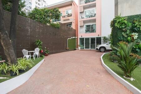 Parkview BKK /Large Room/Balcony 2 - Appartamento