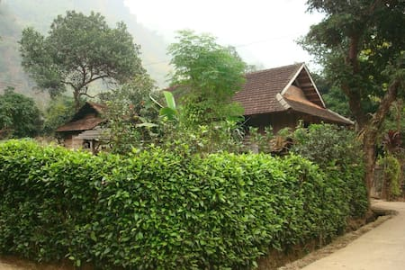 Wooden House In Mai Chau With Mountain View - Lombház