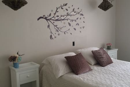 Cozy, clean and great located private room! - Hus