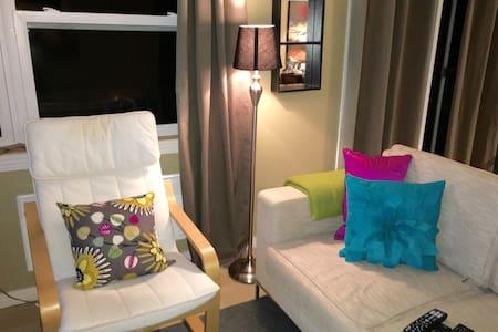 Comfy Cozy waterfront cottage 4 U - Cocagne - Chalet