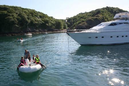 Luxury Yacht - Torquay