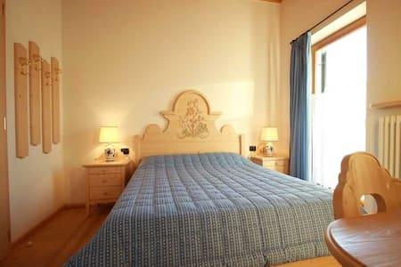 double room in Redagno - Redagno - Bed & Breakfast