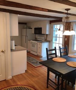 Historic carriage house, private with views - Westford - Guesthouse