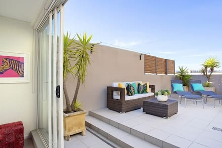 Bondi Beachside Sunlit Penthouse