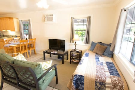 1BR Home; Walk into the Heart of Lahaina Town! - Rumah
