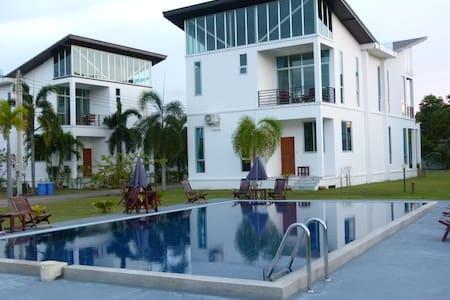 Ray Caribbean Villa 2 - Klaeng - Villa