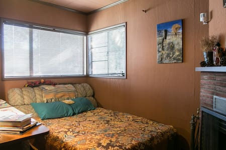 Healthy Home in L.A./Burbank near Disney, WB, Nick - Burbank - House