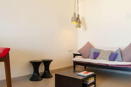 Beautiful and quiet sea view studio - Mumbai - Appartement