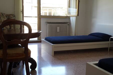 Cozy, cheap double bedroom in Rome