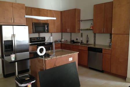 CopperVilla - Addison - Apartment