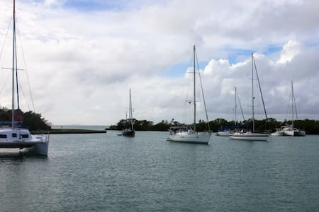 Sail Yacht anchored in Tropical Key Biscayne - Key Biscayne - Boot