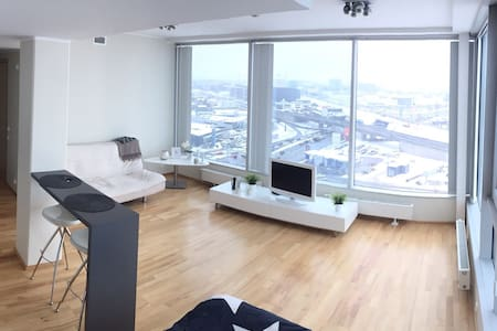 Super view city center apartment, free parking. - Tallinn - Leilighet
