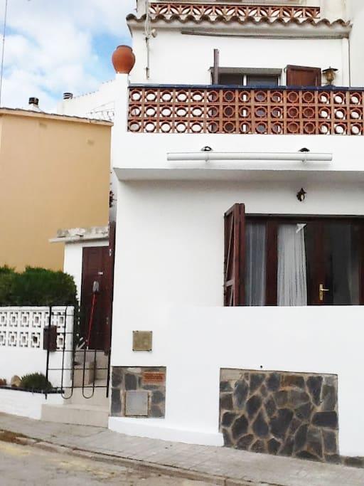 house with 2 floors
