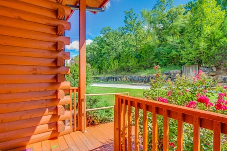 Rustic Luxury Cabin Gem in Heart of Branson - Cabaña