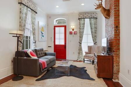 Modern Luxury on Historic Magazine Street Uptown - New Orleans