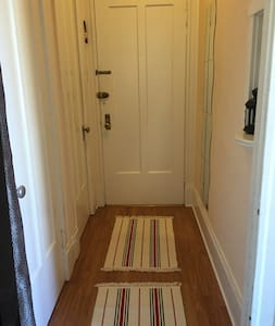 Cute, sunny studio right downtown! - San Francisco - Apartment