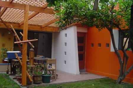 Casa ideal para niños o estudiantes - Ház