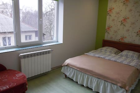 Живи как дома! - Uzhhorod - Apartment
