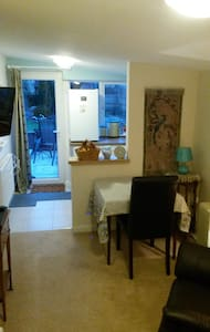 Comfortable elegant one bed annexe - Appartement
