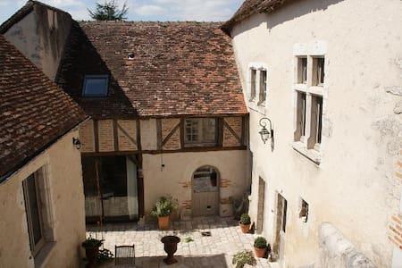 Les Greniers de Vineuil, suite familiale 70 m2 - Bed & Breakfast