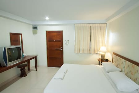 Sawasdee Place #Studio Deluxe Room with Kitchenett - Apartment