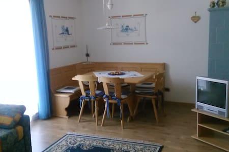 Spazioso appartamento in centro paese - Wohnung