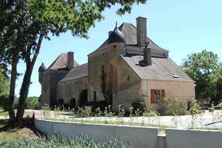 Chez Florine et Valentin - House