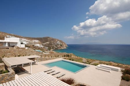 YUSBMY413 lux villa of high aesthetics with p.pool - Elia