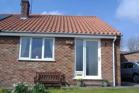 Kelvin Holiday Bungalow - Thornton Dale