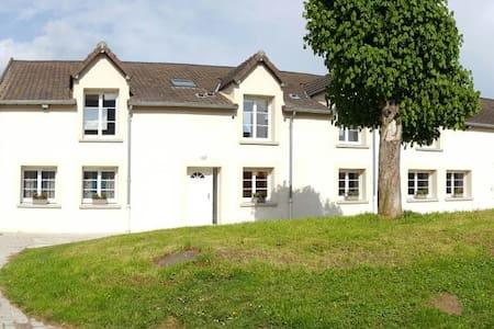 maison 400m2 à la campagne avec spa - Vieux-Champagne - Huis