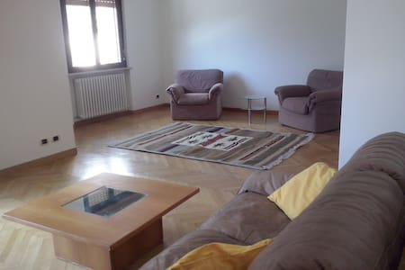 Grande appartamento semicentrale!!! - Apartment