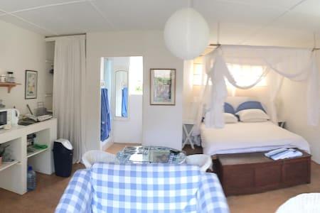 Nookies Nest- Kenton-on-Sea - House