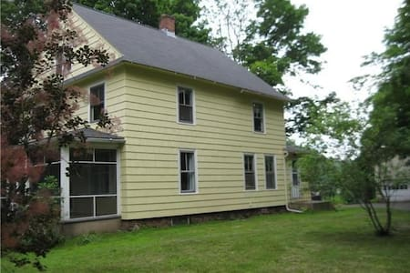 Bring your clubs_Yellow - Meriden - House