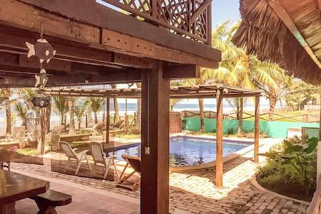 Rancho Marevento - casa frente al mar en guatemala - Hus