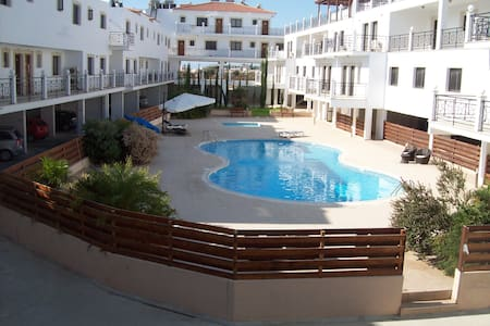 1 Bed Apt Larnaca Cyprus Free WIFI - Apartment