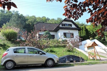 Mecseki Farkaslak-Alpesi hangulat Magyarországon - Magyarhertelend